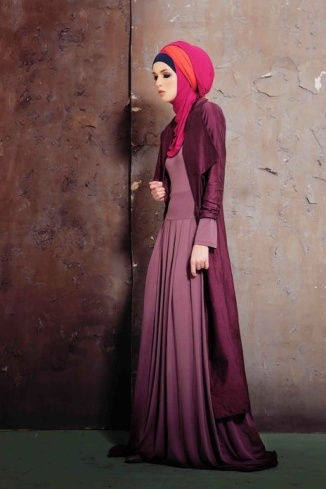 Abaya in pink mixing with rich frills